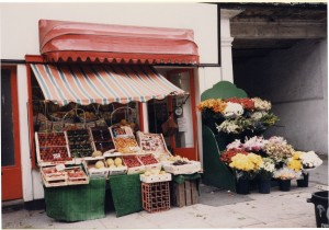 Kirby's Greengrocer in Regent's Park Road, 1986